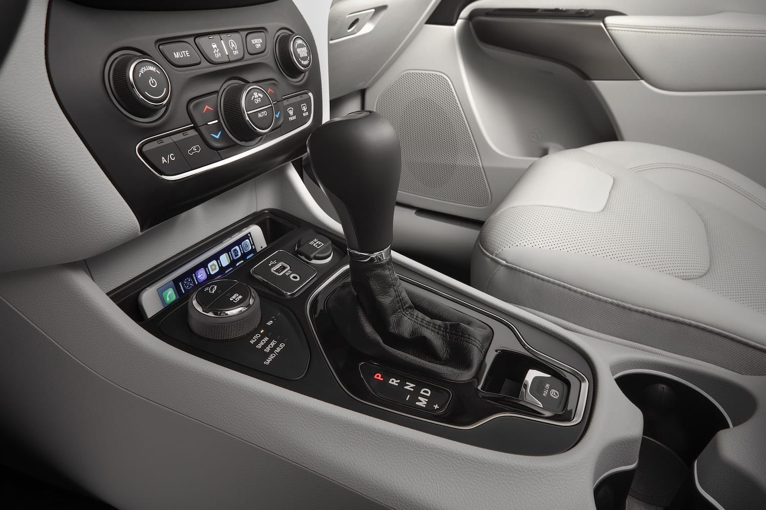 jeep cherokee 2019 interieur